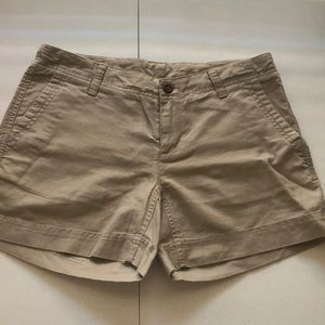 NWOT The North Face Khaki Shorts